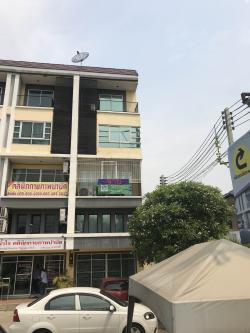 ขาย อาคารพาณิชย์ ห้องมุม 38ตรว. คลองหลวง คลองสอง 3นอน 3น้ำ 4ชั้นครึ่ง Build in หน้ากว้าง 5 เมตร