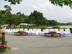 เต็นท์ลพบุรีให้เช่าเก้าอี้เช่าโต๊ะจีนโต๊ะเหลี่ยมเช่าพัดลมไอน้ำโทร0858125157