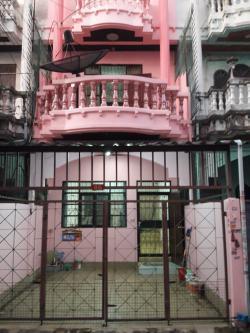 ด่วน เช่าบ้าน ประชาอุทิศ ซอย 14 ราษฎร์บูรณะ ปรับปรุงใหม่และ ทาสีใหม่ทั้งหลัง ทาวน์โฮม 3 ชั้น แบบเล่นระดับ