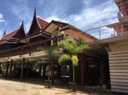 ขายบ้านทรงไทยพร้อมที่ดิน 1 ไร่ 67 ตารางวา ติดทะเลบางเสร่ ชลบุรี/
