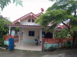 ขายบ้านเดี่ยว 40 ตรว หมู่บ้าน ฐิติภรณ์1 หนองมะนาว บางละมุง ชลบุรี.บรรยากาศดี