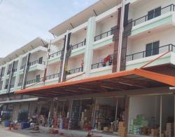 ขาย อาคารพาณิชย์  ตึกแถว 3.5 ชั้น ใกล้ตลาดสดค้าปลีกและค้าส่ง ใจกลางเมืองปทุมธานี เหลือเพียง 4 ยูนิตเท่านั้น