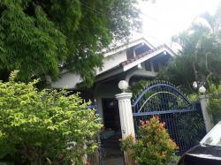 ขายบ้านเดี่ยวชั้นครึ่ง พื้นไม้สัก อ.เมือง จ.ตาก มีบริเวณบ้าน ต้นไม้ร่มรื่น
