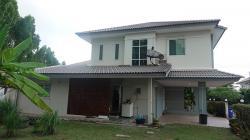 ขายบ้านพร้อมเฟอร์นิเจอบิ้วอิน เครื่องใช้ไฟฟ้า หิ้วกระเป๋าเข้าอยู่ใด้ทันที ติดนิคมอุตสาหกรรม 304 ปราจีนบุรี