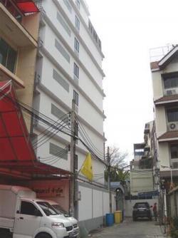 ขายอาคารพาณิชย์ 6 ชั้น อยู่ในซอยกรุงธนบุรี 6  เนื้อที่ 234.8 ตารางวา พื้นที่ 3800 ตร.ม.