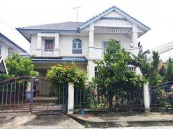 ขายบ้านด่วน ขายถูกมาก ทำเลดีมาก เป็นบ้านเดี่ยวหลังมุม 2 ชั้น ม.จิรกานต์ 52.4 ตร.ว. ซอย 10