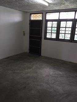 ขายตึกแถว 3 ชั้น 2 คูหา กั้นห้องกระจกด้านหน้า สภาพดีมาก ทาสีใหม่ทั้งภายนอก ภายใน ทุกชั้น