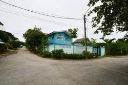 ให้เช่าบ้านเดี่ยว 2 ชั้น พื้นที่ 67 ตารางวา ติดถนนอักษะ และถนนบรมราชชนนี พุทธมณฑลสาย3 โทร 085-098-1235