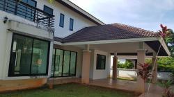 ขายบ้านเดี่ยว 2 ชั้น ทำเลเยี่ยม เนื้อที่เยอะ ในเมืองสุราษฎร์ธานี โทร 080-7063269