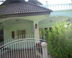 House for rent fully furniture 2 bed 2 bath and aircondition there is a garage