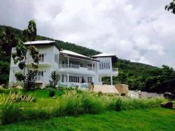 ขายบ้านพักตากอากาศ สุดหรู บนเกาะสมุย วิวภูเขาและน้ำตกหน้าเมือง มีสระว่ายน้ำขนาดเล็ก เกาะสมุย สุราษฎร์ธานี