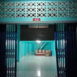ขาย บ้านเดี่ยว 2 ห้องนอน 1ห้องน้ำ  เป็นบ้านชั้นครึ่ง อยุ่ในเขตเทศบาลนครหาดใหญ่ จังหวัดสงขลา
