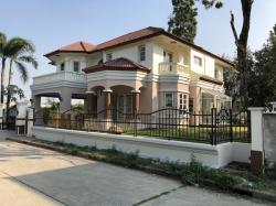 บ้านใหม่ 4 นอน 120 วา บ้านใหญ่ที่เยอะ หมู่บ้านกฤษดา39 (บรมฯ ซ.วาสนา5/3) ทำเลโซน 5 ดาว เดินเท้าจากบ้านถึงหน้าหมู่บ้านเพียง 500 ม ขาย 12 ลบ. 089-134-4988