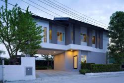 ขายบ้านตัวอย่าง บ้านเดี่ยว 2 ชั้น 80 ตร.ว. หมู่บ้านเดอะธารา ซอยพระยาสุเรนทร์35 (ราคาต่อรองได้)