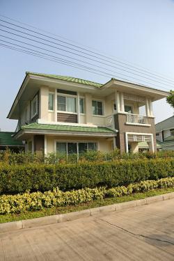 ขายบ้าน หมู่บ้านพฤกษาธารา สี่แยกอินโดจีน พิษณุโลก 102 ตารางวา 4 ห้องนอน 3 ห้องน้ำ ใกล้สโมสร