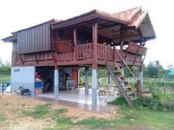 ขายบ้านทรงไทย บนเนื้อที่ 150 ตารางวา ติดเส้นทางจากท่าเกษมไปทับใหม่ บรรยากาศดี สระแก้ว