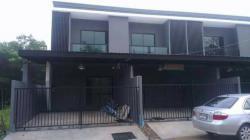 ขายบ้านทาวน์เฮาส์ 2 ชั้น สไตล์โมเดิร์นลอฟท์ หาดใหญ่ จังหวัดสงขลา โทร 0808043874