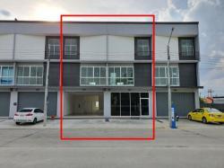 ให้เช่าอาคารพาณิชย์ใหม่ 3 ชั้น ในซอยกันตนา จำนวน 2 คูหาติดกัน (แบ่งเช่า 1 คูหาได้)