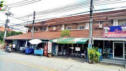 หมู่บ้าน กานดา พาร์ค พระราม 2 ขายด่วน ทาวน์เฮ้าส์ 2 ชั้น เนื้อที่ 23.30 ตร.ว ติดถนนเมน ทำเลดี ค้าขายได้ พร้อมอยู่