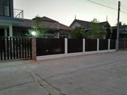 ขายบ้าน หมู่บ้านเวียงนารา พร้อมสระน้ำมาตรฐาน กลางเมืองเชียงราย โทร 0894954313