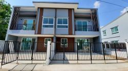 ขายด่วน ริชวิลล์รัตนาธิเบศร์ ทาวน์โฮม2ชั้น บ้านใหม่ 25 ตร.วา 3นอน2น้ำ 2จอด หลังมุม หลุดจอง พร้อมอยู่ แถมหลายรายการ