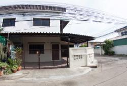 ให้เช่าบ้าน 2 ชั้นหลังมุม ซอยวิภาวดี 25 ทุ่งสองห้อง หลักสี่ กรุงเทพ สนใจติดต่อ Line id : araya1928