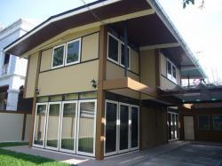 บ้านเดี่ยวพร้อมสวนสวย เอกมัย พักอาศัยหรือทำธุรกิจได้ For Rent Single House With Nice Garden Ekamai