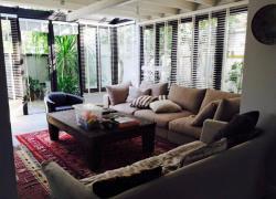 ให้เช่า บ้านเดี่ยว  3 ห้องนอนสุดน่ารัก เพียง 70000 บาท Rent Cute 3-Bedroom Single House Only 70,000 THB