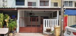 ให้เช่าทาวน์เฮาส์ 2 ห้องนอน 2 ห้องน้ำ อยู่ในซอยอ่อนนุช 70 แยก 3 ประเวศ กรุงเทพ โทร 086-4149550