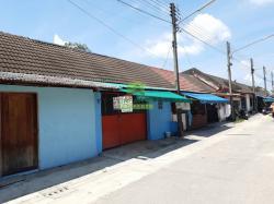 หมู่บ้าน ปาทานอุทิศ 2 ปาเสมัส สุไหงโก-ลก ขายด่วน ตึกแถว ชั้นเดียว เนื้อที่ 27 ตร.ว รีโนเวทใหม่ พร้อมอยู่