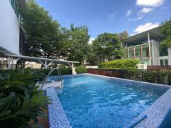 ขาย บ้านเดี่ยว ศรีนครินทร์ 3 ชั้น 5 นอน 6 น้ำ 130 ตรว. 4 จอดรถ มีสระว่ายน้ำ