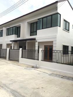 ขายบ้านเพชรบุรีทาวน์โฮม2ชั้น 1.85ล้าน