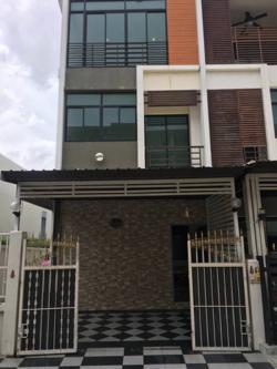 ให้เช่า-ขาย บ้านโครงการ six nature กัลปพฤกษ์ บ้านติดกับ club house ส่วนกลาง ( เป็นหลังเดียว ) เสมือนมีสระว่ายน้ำส่วนตัว